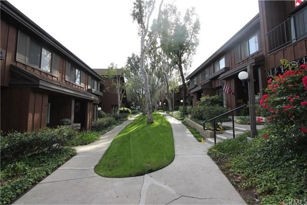 1346 Stonewood Court, San Pedro, CA - USA (photo 2)