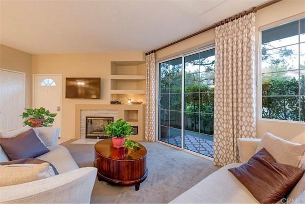 7925 E Acorn Court, Anaheim Hills, CA - USA (photo 4)