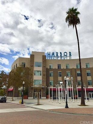 114 S Harbor Boulevard, Anaheim, CA - USA (photo 1)