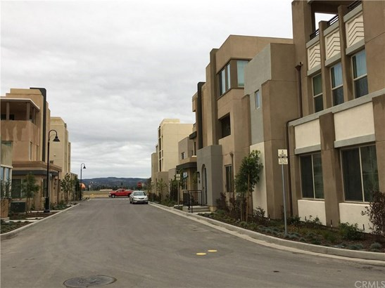 223 Carmine 223, Irvine, CA - USA (photo 1)