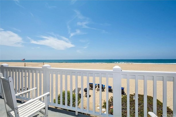 23 A Surfside Avenue, Surfside, CA - USA (photo 1)