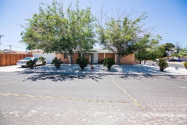 15945 Fresno Place, Victorville, CA - USA (photo 1)