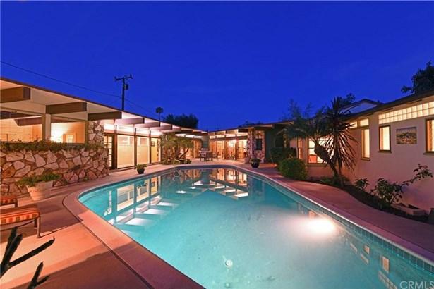 2528 Oakmont Avenue, Santa Ana, CA - USA (photo 1)