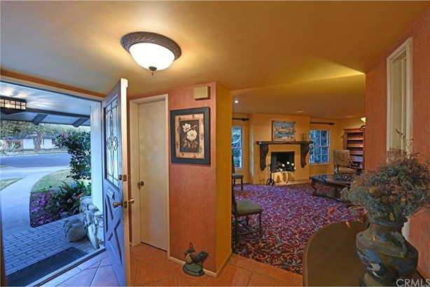 2528 Oakmont Avenue, Santa Ana, CA - USA (photo 4)