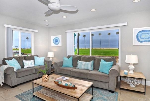906 E Oceanfront, Newport Beach, CA - USA (photo 3)