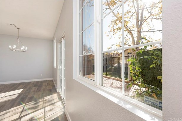 13280 Dronfield Avenue 7, Sylmar, CA - USA (photo 2)