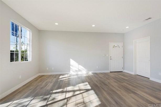 13280 Dronfield Avenue 7, Sylmar, CA - USA (photo 5)