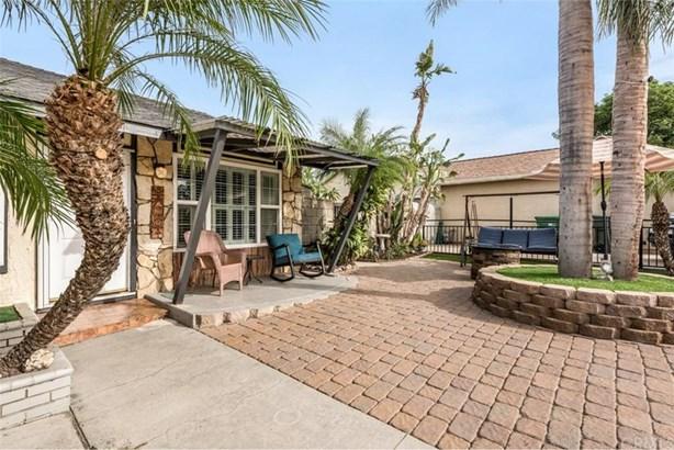 1337 Cottonwood Court, Corona, CA - USA (photo 3)