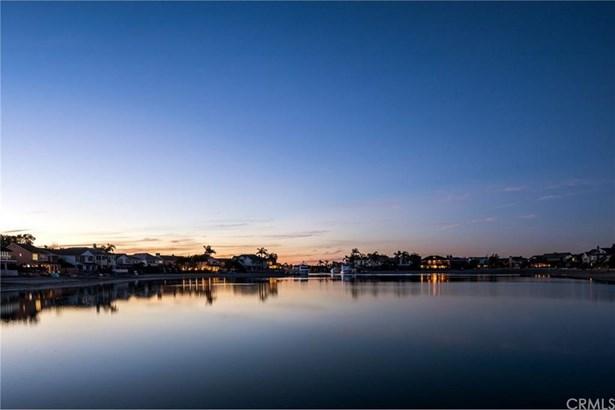 16951 Coral Cay Lane, Huntington Beach, CA - USA (photo 4)