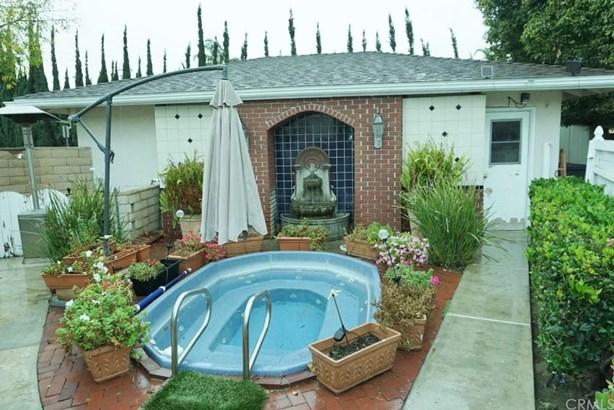 985 N Shaffer Street, Orange, CA - USA (photo 5)