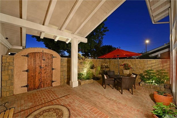 2792 Waxwing Circle, Costa Mesa, CA - USA (photo 2)