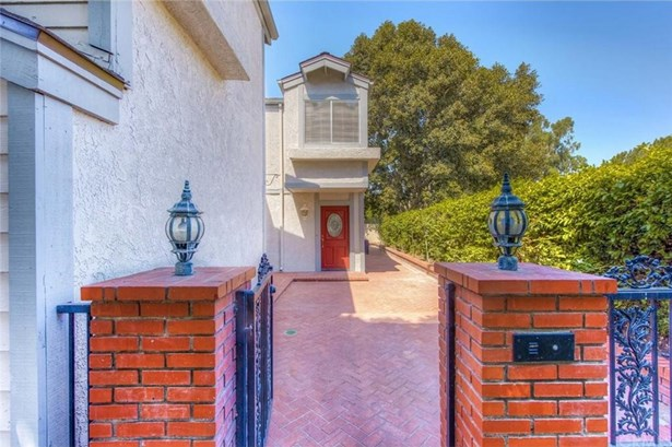 101 Eisenhower Way, Placentia, CA - USA (photo 4)