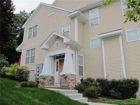 Townhouse, Condominium Rental - Danbury, CT