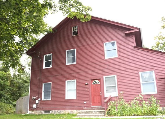 Colonial, Multi-family Rental - Newtown, CT