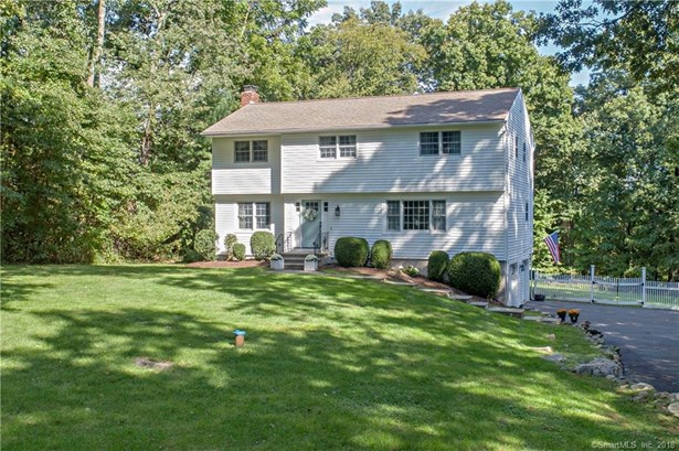Single Family For Sale, Colonial - Redding, CT