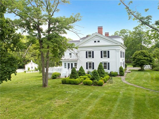 Single Family For Sale, Antique,Colonial - Redding, CT (photo 4)
