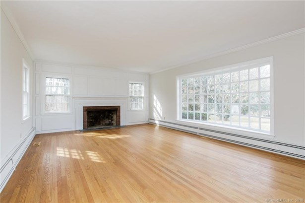 Single Family For Sale, Cape Cod - Bethany, CT (photo 4)