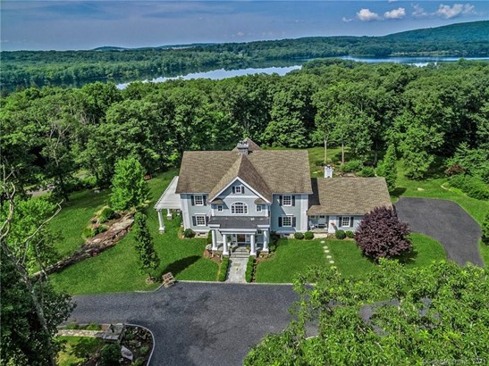 Single Family For Sale, Colonial - Danbury, CT