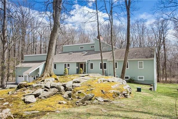 Single Family For Sale, Cape Cod,Contemporary - Ridgefield, CT