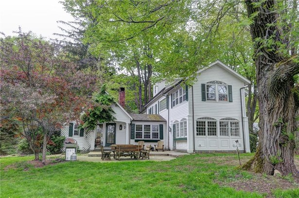 Single Family For Sale, Antique,Colonial - Ridgefield, CT (photo 4)