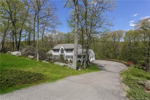 Single Family For Sale, Colonial - New Fairfield, CT (photo 1)
