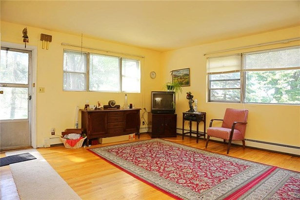 Single Family For Sale, Ranch - New Fairfield, CT (photo 2)