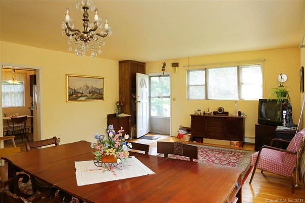 Single Family For Sale, Ranch - New Fairfield, CT (photo 5)