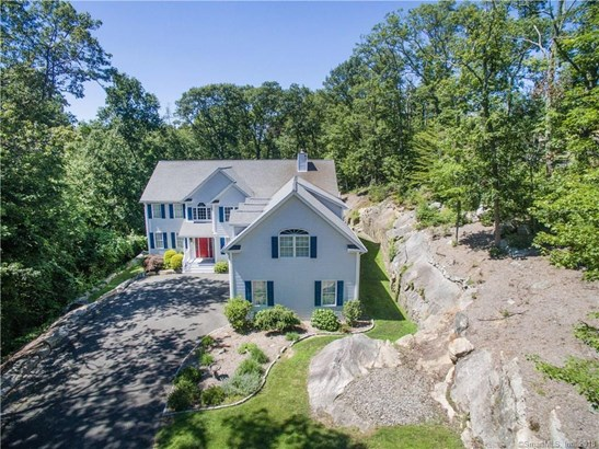 Single Family For Sale, Colonial - New Fairfield, CT (photo 4)