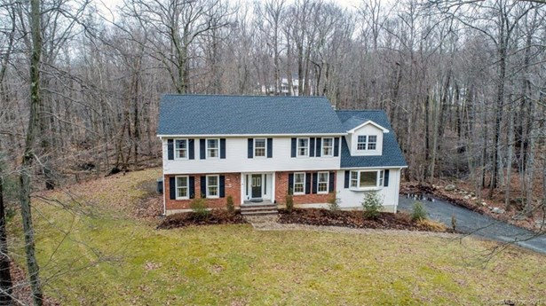 Single Family For Sale, Colonial - New Fairfield, CT (photo 3)