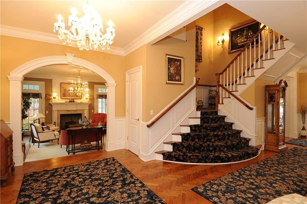 Single Family For Sale, Colonial - Ridgefield, CT (photo 5)