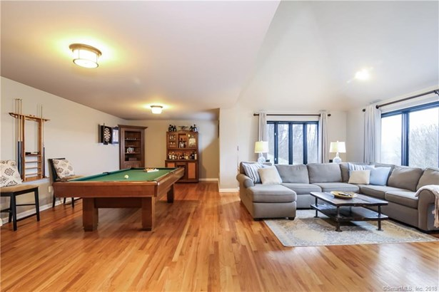 Single Family For Sale, Contemporary - New Fairfield, CT (photo 5)