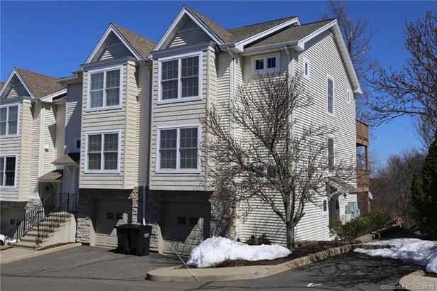 Townhouse, Condominium - Danbury, CT (photo 1)