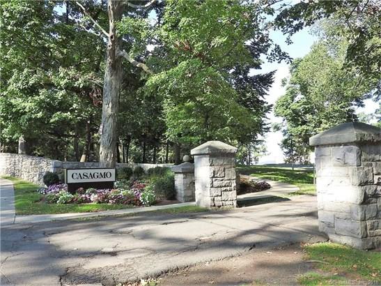 Condominium, Ranch - Ridgefield, CT