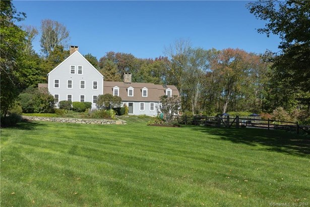 Single Family For Sale, Colonial,Antique - Ridgefield, CT (photo 3)
