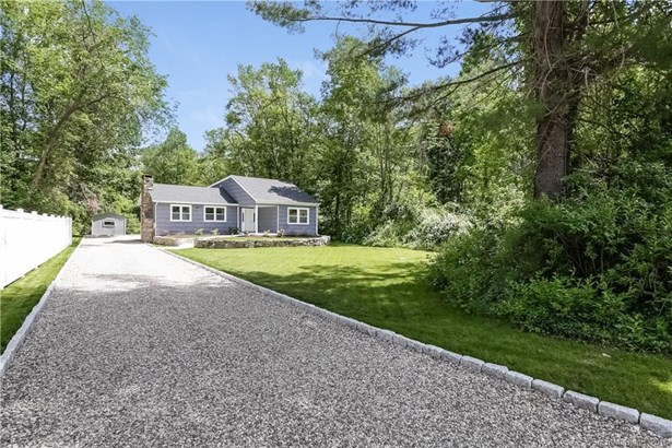 Single Family For Sale, Ranch,Split Level - New Fairfield, CT (photo 2)