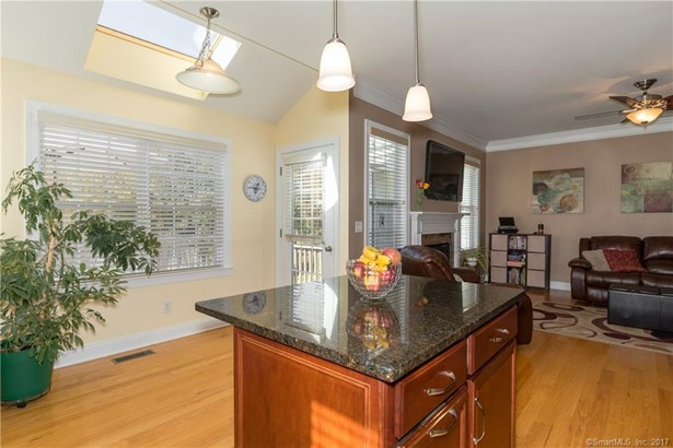 Townhouse, Condominium - Bethel, CT (photo 5)