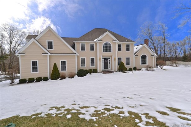 Single Family For Sale, Colonial - Brookfield, CT (photo 1)