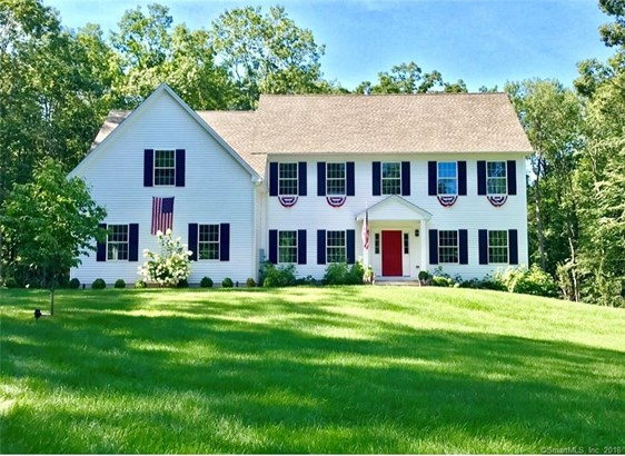 Single Family For Sale, Colonial - New Fairfield, CT (photo 2)