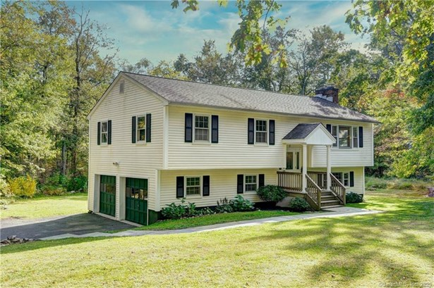 Single Family For Sale, Raised Ranch - Ridgefield, CT
