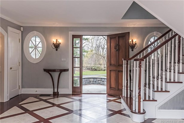 Single Family For Sale, Colonial - Ridgefield, CT (photo 4)