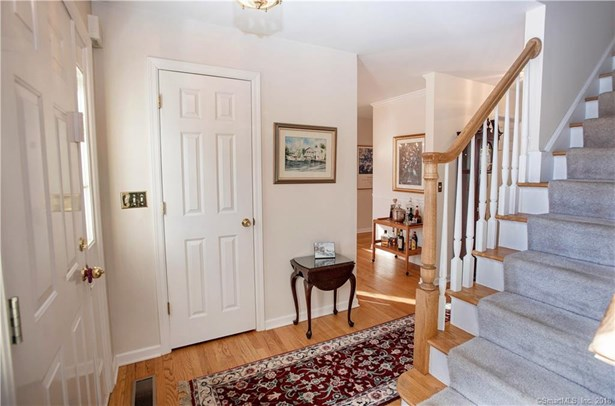 Single Family For Sale, Colonial - Danbury, CT (photo 2)