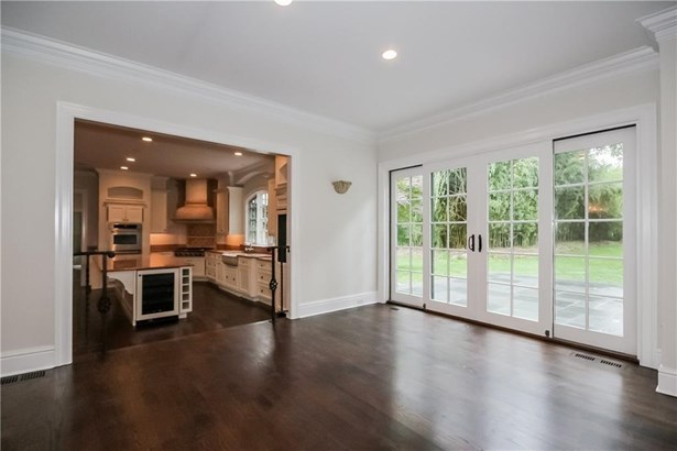 Single Family For Sale, Colonial - Norwalk, CT (photo 5)