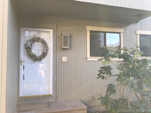 Townhouse, Condominium - Woodbury, CT (photo 2)