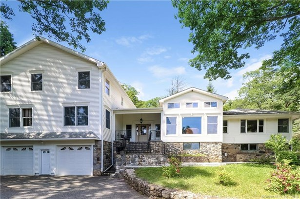 Single Family For Sale, Colonial,Contemporary - New Fairfield, CT (photo 2)