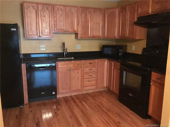 Condominium, Ranch - Danbury, CT (photo 3)