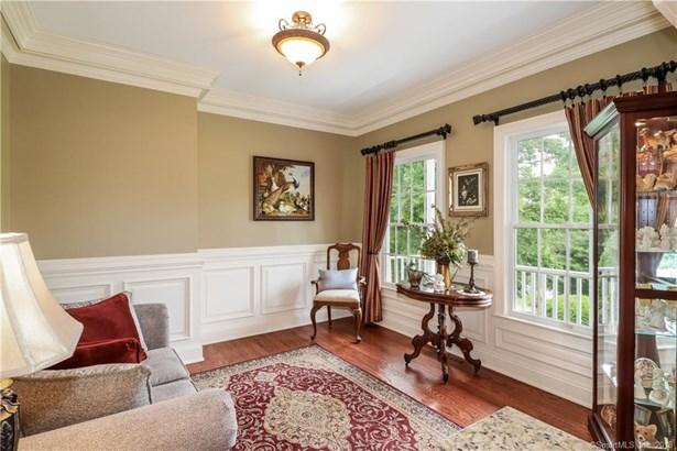 Single Family For Sale, Colonial,Farm House - New Fairfield, CT (photo 5)
