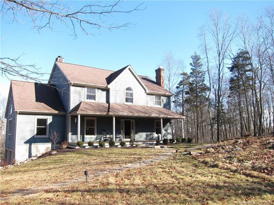 Single Family For Sale, Colonial,Contemporary - Ridgefield, CT (photo 1)