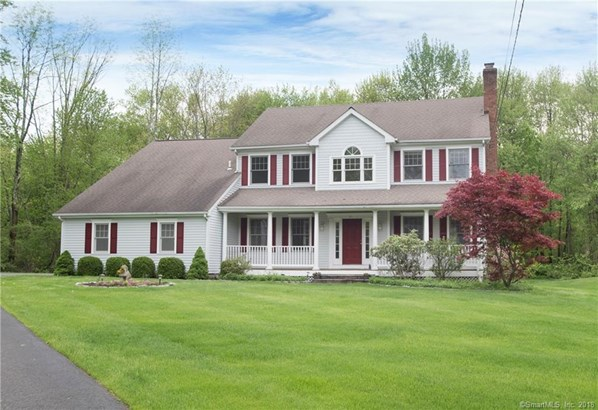 Single Family For Sale, Colonial - Ridgefield, CT (photo 1)