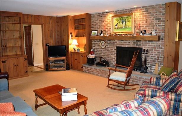 Single Family For Sale, Cape Cod - Redding, CT (photo 4)