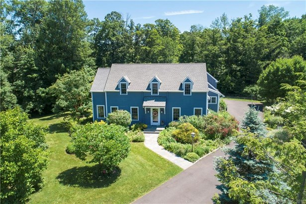 Single Family For Sale, Cape Cod,Colonial - Ridgefield, CT (photo 1)